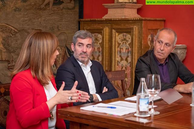 Fernando Clavijo analiza las perspectivas económicas de La Palma con los agentes económicos de la isla