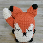 http://www.ekayg.com/crochet/puffy-stuffy-fox