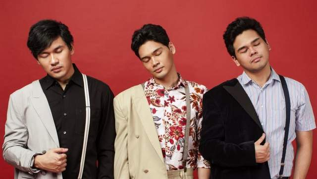 The Overtunes - New Sky dan Terjemahan