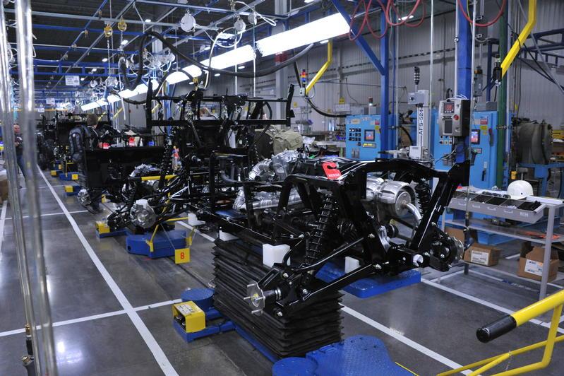 2014 Honda Pioneer 700 / Pioneer 700-4 Development Behind