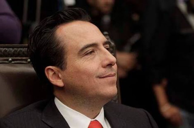 """Diputado del PRI menosprecia a poblanos asaltados en transporte público: """"les quitan cosas baratas y unos cuantos pesos"""""""