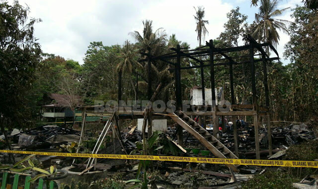 4 Rumah Panggung di Soppeng Ludes Dilalap Api