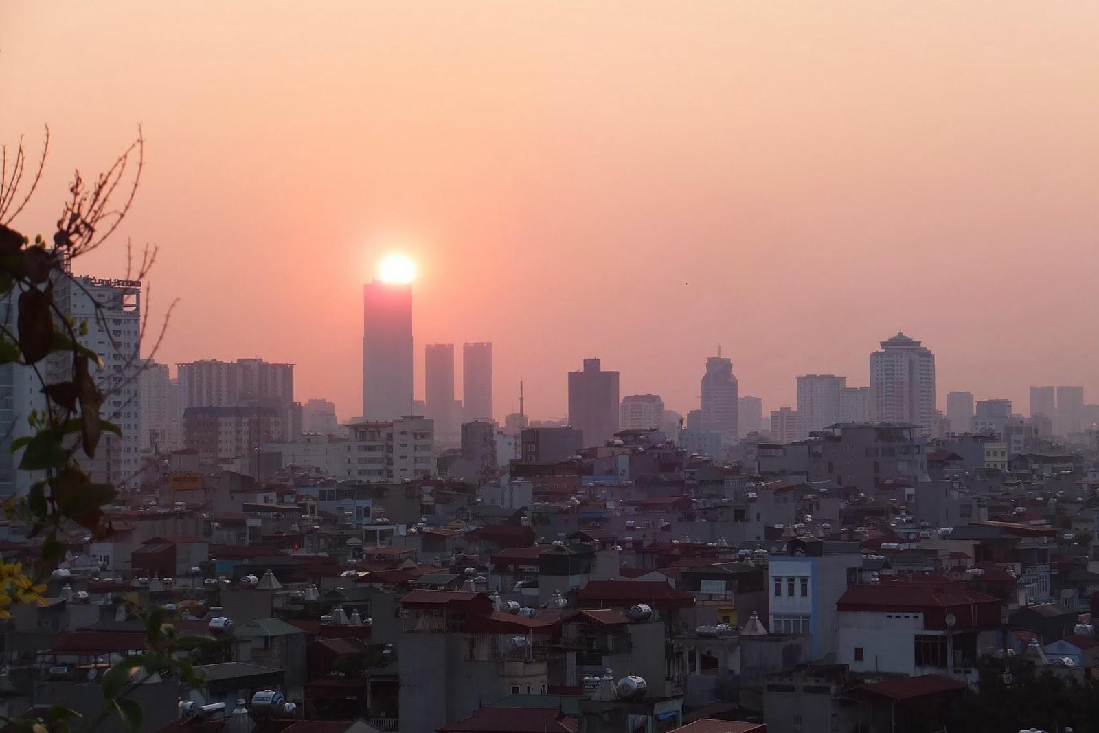 sunset-in-hanoi-vietnam ハノイの夕暮れ2