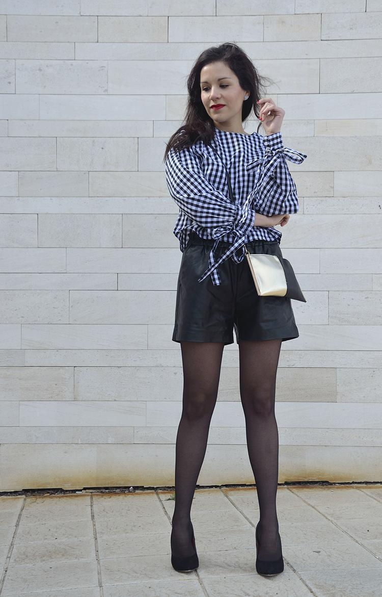 blusa_cuadros_vichy_lazos_pantalón_cuero_leather_black_trends_gallery_look_outfit