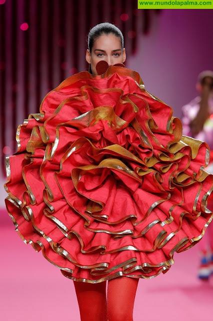 La seda de La Palma se convierte en el epicentro de la nueva colección de Agatha Ruiz de la Prada