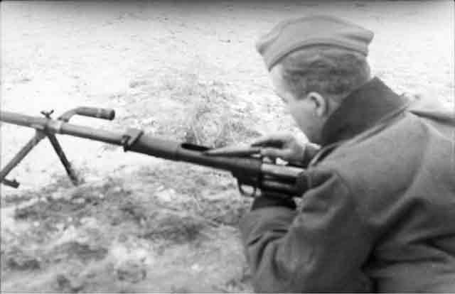 Degtyaryov antitank rifle, 4 November 1941 worldwartwo.filminspector.com