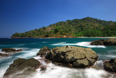 Pantai Rajegwesi banyuwangi