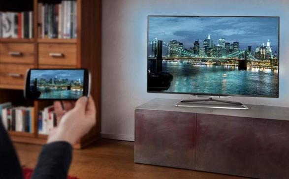 Cara Menghubungkan HP ke TV Tanpa Ribet