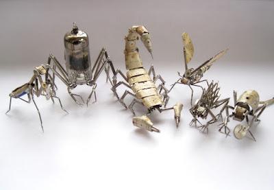 Insectos Robot estilo Steampunk hechos con material reciclado