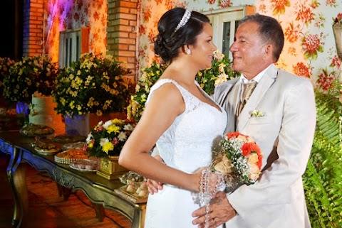 Com decoração belíssima do Zona Fashion Decoração Elieber e Candice tornaram-se marido e mulher. Confira!