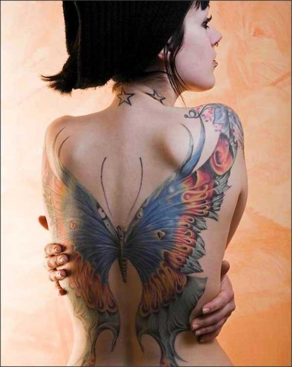 kelebek kanadı sırt dövmesi büyük