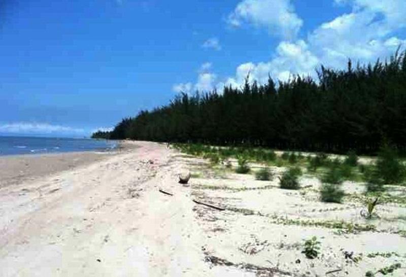 1.Pantai Lamaru