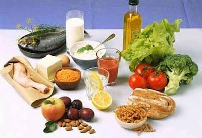 Trong chế độ ăn uống bệnh viêm họng hạt cần kiêng gì ?