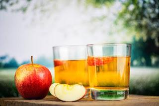 عصير التفاح للأطفال الرضع