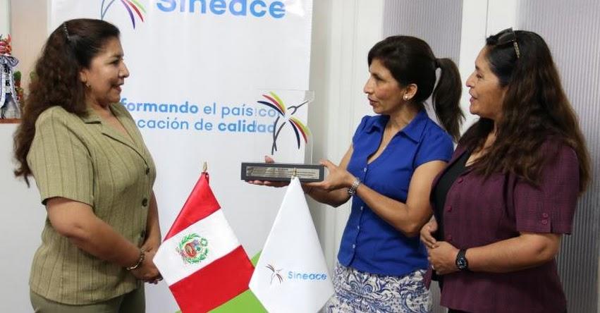 IESTPP «Mercedes Cabello de Carbonera» es el primer pedagógico acreditado en moquegua por el SINEACE - www.sineace.gob.pe