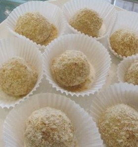 Cara Membuat Kue Moci Wijen Kacang