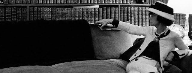 La Donna che legge: Coco Chanel in mostra a Venezia