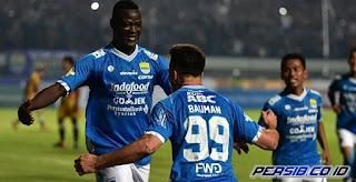 Lawan Madura United, Persib Tak Bisa Mainkan Duet Ezechiel - Bauman