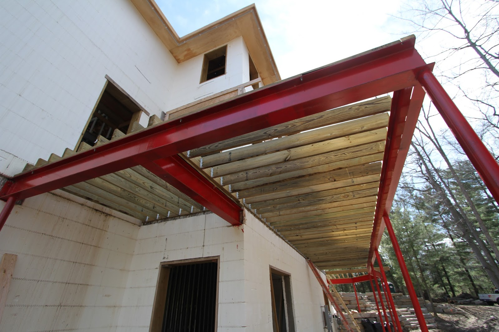 They Ve Finished Installing All The Deck Joists At 12 Ing In Anion Of Azek That We Ll Use Front House Still Needs