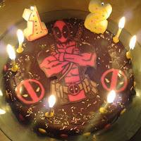 gateau anniversaire deadpool