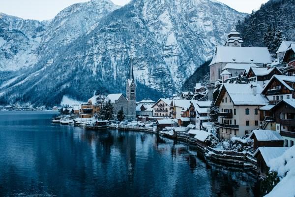 Hallstatt Winter - Paket Tour 9D East Europe + Hallstatt 01 Dec 2018 by Qatar Airways - Salika Travel