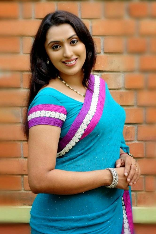 Online World Look Amazing Hot Mallu Aunties Actress -3952