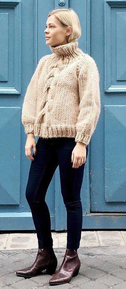 fall basics: knit + skinny jeans + boots