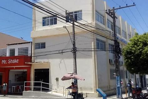 Câmara de Vereadores de Delmiro Gouveia abre licitação para contratar empresa para fornecimento de   refeições e lanches