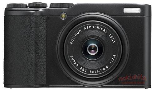 Fujifilm XF10, вид спереди