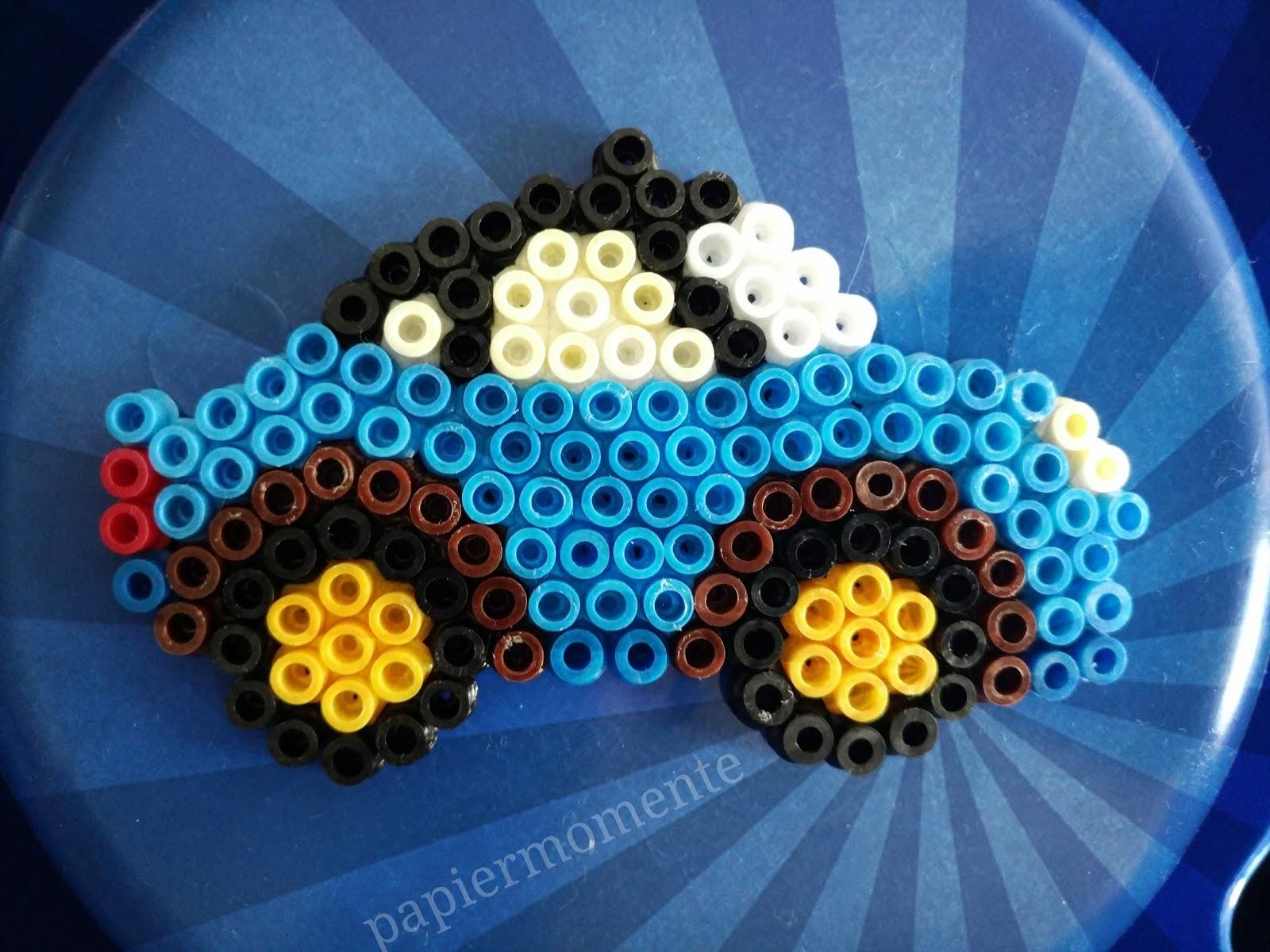 wiola 39 s papiermomente blaues auto aus b gelperlen. Black Bedroom Furniture Sets. Home Design Ideas