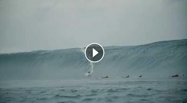 Ramón Navarro hace historia cogiendo la mayor ola en Cloudbreak