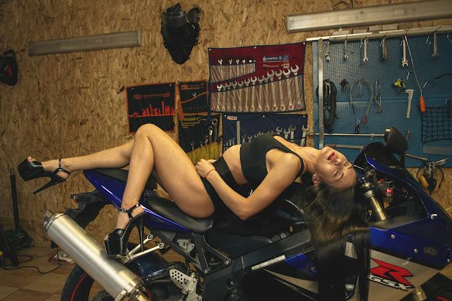 Suzuki GSXR Workshop Girl. Image Aleksey Ievlev
