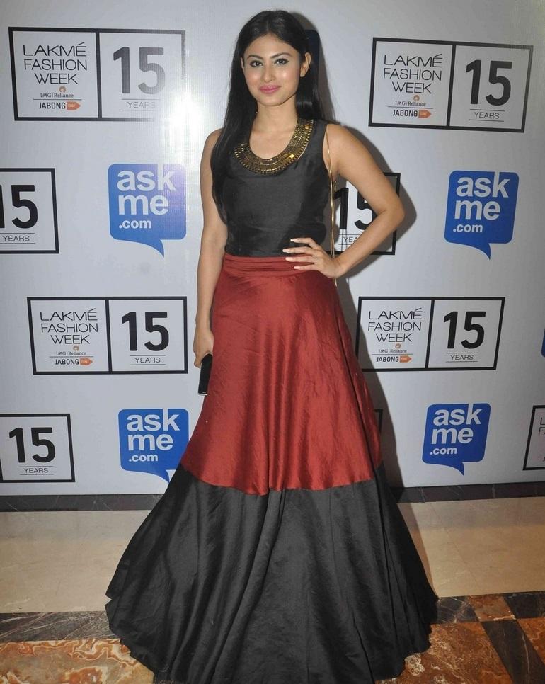 Indian Tv Actress Mouni Roy Stills In Black Dress At Lakme Fashion Week