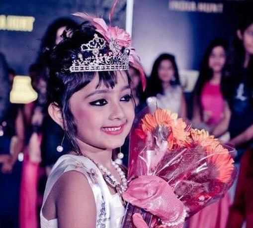 8 Myra Muni, a five year old Odia girl of Hinjili from Ganjam, Odisha win the Little Miss Galaxy India 2017 Title in Bangalore