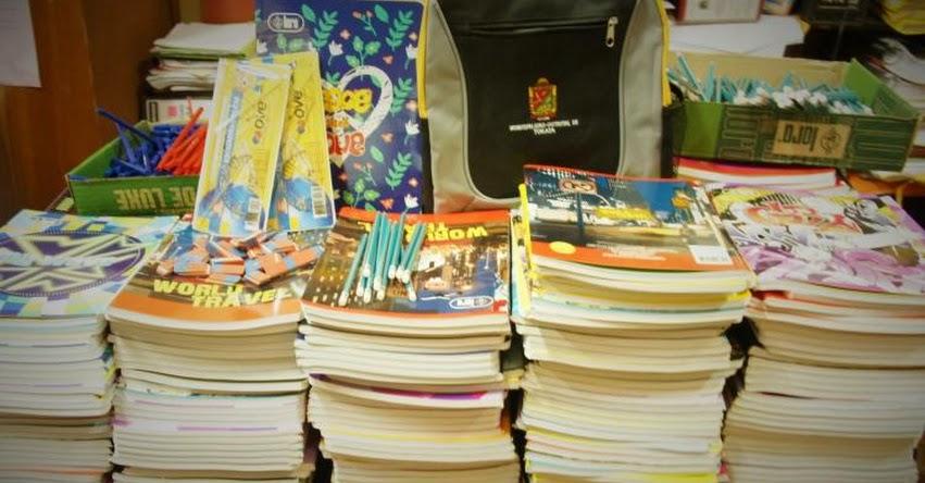 Entregan 800 paquetes escolares a alumnos de colegios de Moquegua