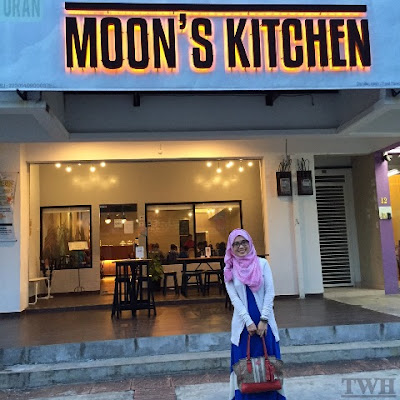 TWH makan di Moon's Kitchen