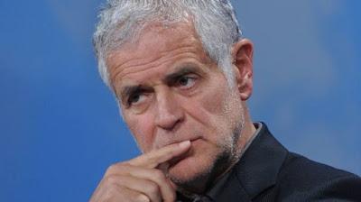 Roberto Formigoni accusato di aver ricevuto cene, viaggi e vacanze di lusso per favorire la Fondazione Maugeri e il San Raffaele