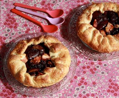 croustillant , prunes, pommes , gourmand , facile