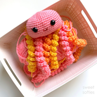 Crochet Jellyfish ~ FREE PATTERN! – Heart2Stitch   400x400