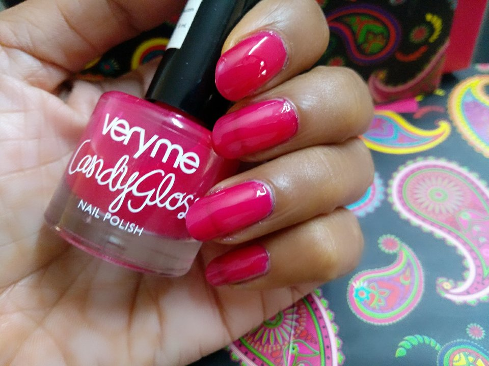 Alive n Kicking: Oriflame Very Me Candy Gloss Nail Polish Review