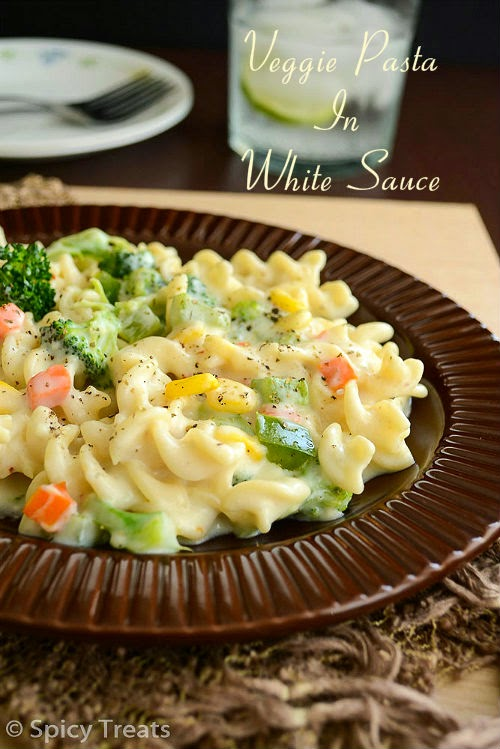 Veggie Pasta In White Sauce