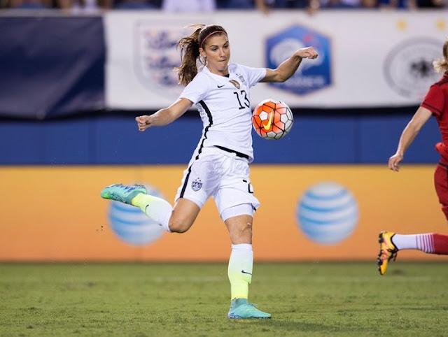 10 Pemain Sepak Bola Wanita Tercantik