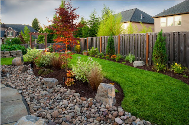 When it comes to decorating, it does not mean we have to be expensive to achieve what we want. Even with stones and rocks, we can make the best of it, if we know how to use it in our garden or for our landscape.   All we need is some plants and flowers and most of all a creative idea and inspiration to get it done. Here are some ideas to consider using rocks and stone in gardening or landscaping.