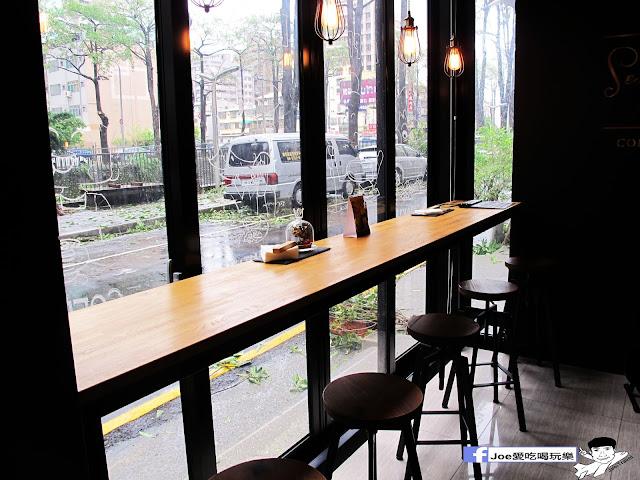 IMG 0653 - 【台中美食】1770 cafe ,置身在彩虹屋底下的美食饗宴,餐點讓你隨意搭配,想吃甚麼就搭甚麼