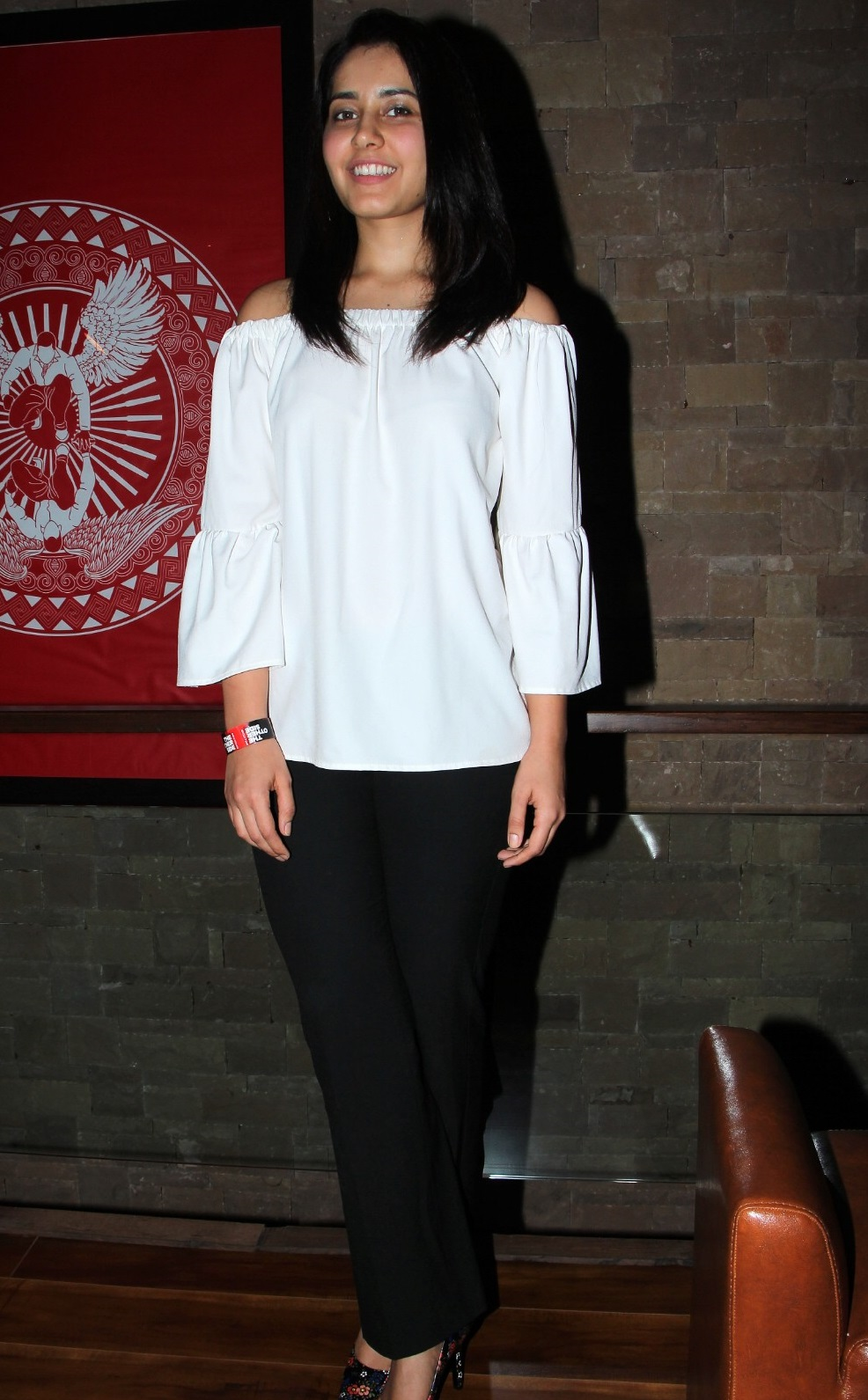 Rashi Khanna Stills At Birthday Party In White Dress ❤