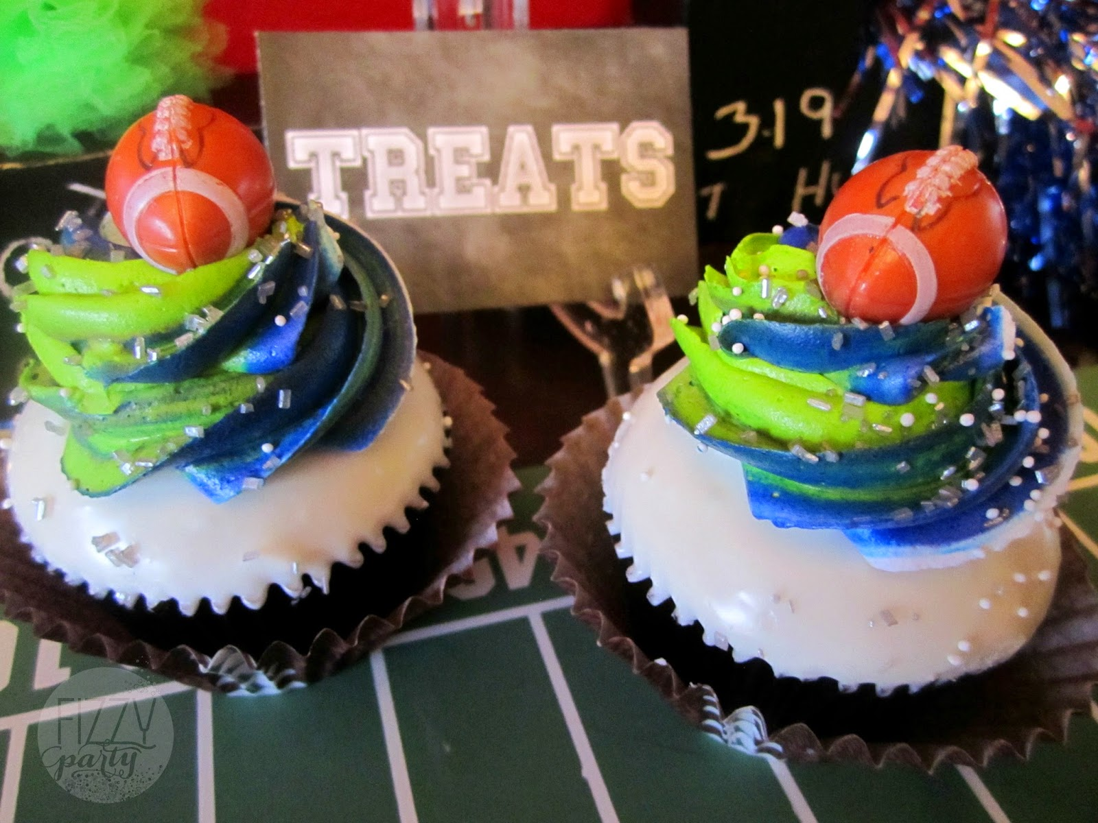 Super Bowl Party, Football Party,cupcakes