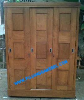 Almari Pakaian Minimalis 3 Pintu Sliding Kotak