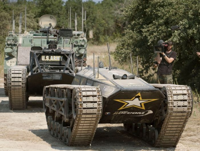 World S Fastest Tracked Vehicle Damn Cool Pictures