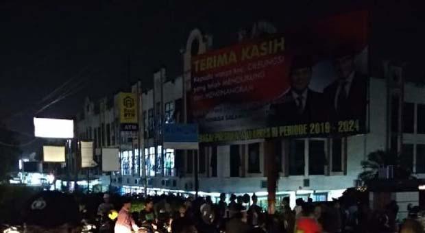 Alasan Baliho Raksasa Kemenangan Prabowo Tak Jadi Diturunkan
