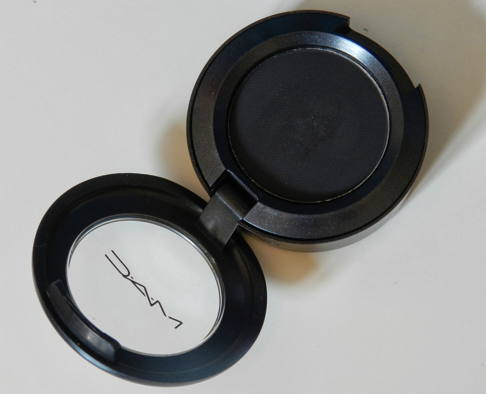 MAC Carbon Eyeshadow